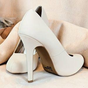 "♨️New Sexy Cream 4"" heels 👠"